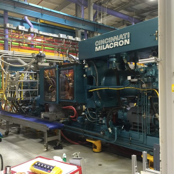 Cincinnati Milacron Model 375-48 (375) Ton Injection Molding Machine- New  controls upgraded in 2003