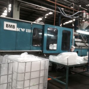 1994 BMB Model KW650/5500 600 Ton Injection Molding Machine