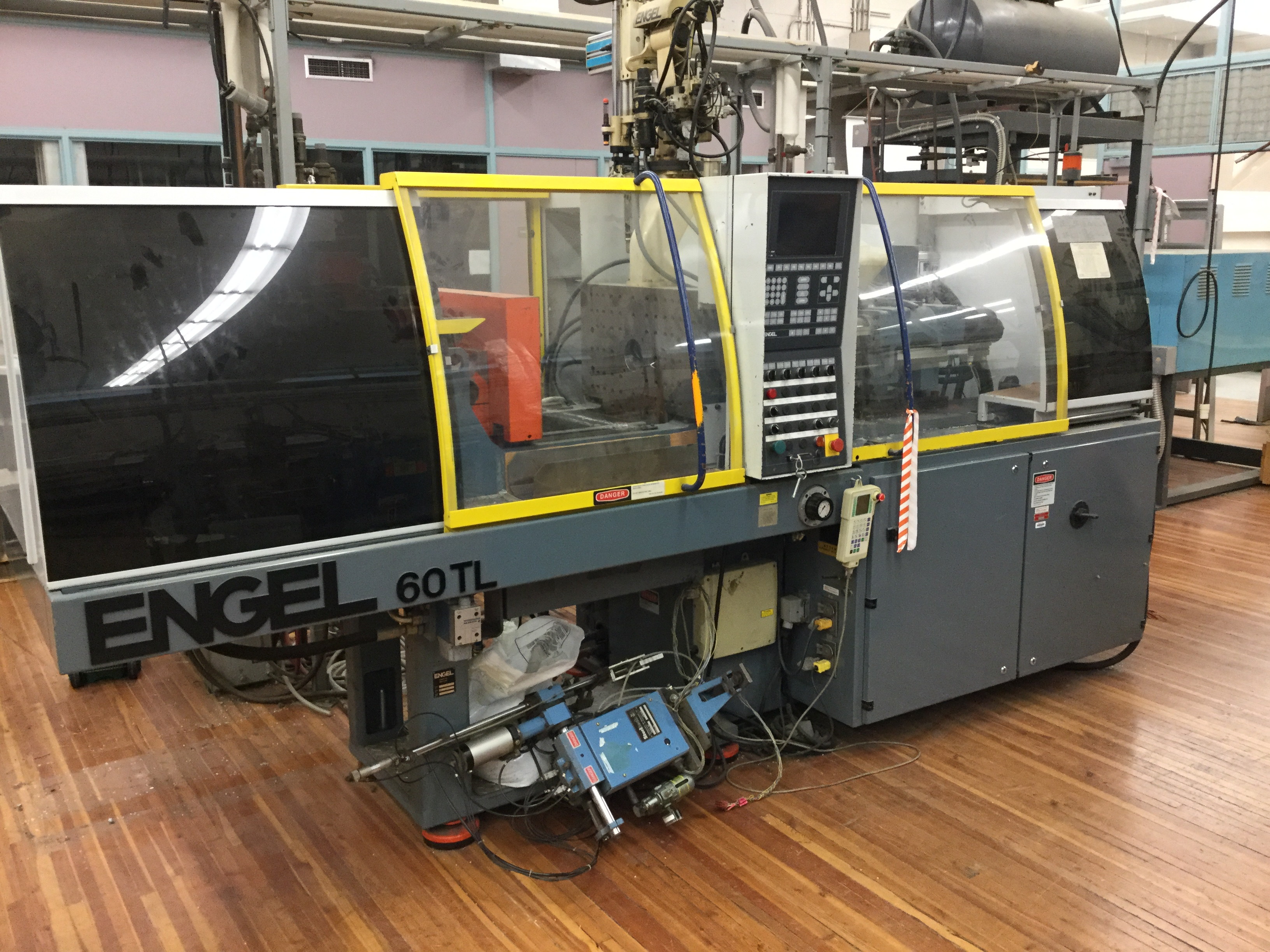 Engel Model ES 200/60 TL (60) Ton Injection Molding Machine