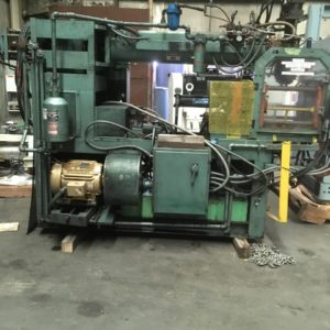 Uniloy Model 2010 (2) Head Blow Molding Machine