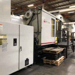 Cincinnati Milacron Model VL 850-362 Injection Molding Machine