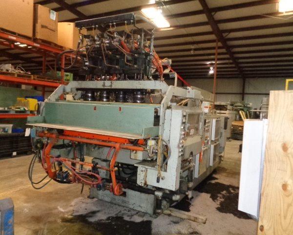 Uniloy Model 350 R3 (4) Head Reciprocating Screw Blow Molding Machine