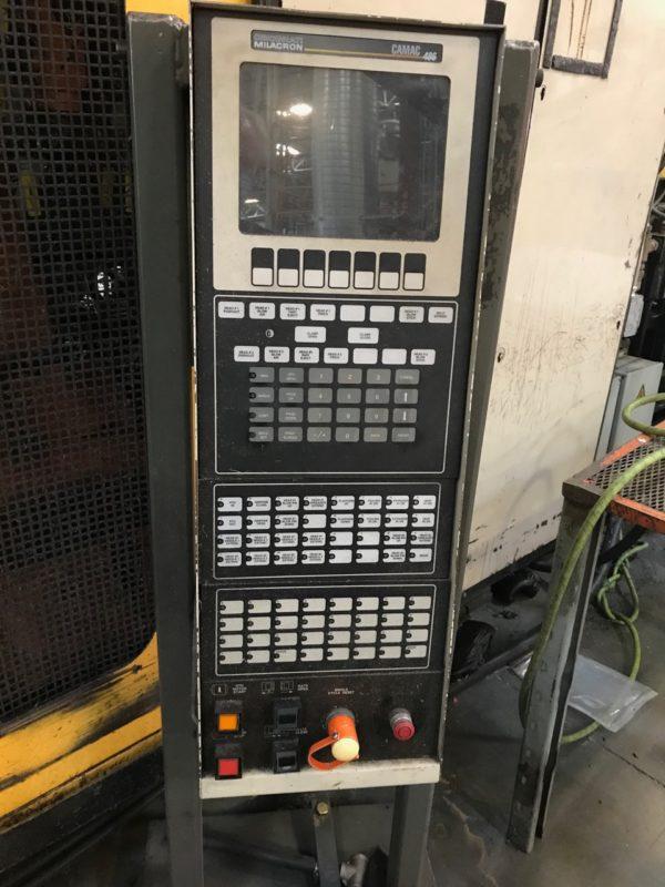 Cincinnati Milacron Model T-3000 Accumulator Head Blow Molding Machine