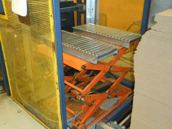 International Paper Model CaseForm 209 Case Erector
