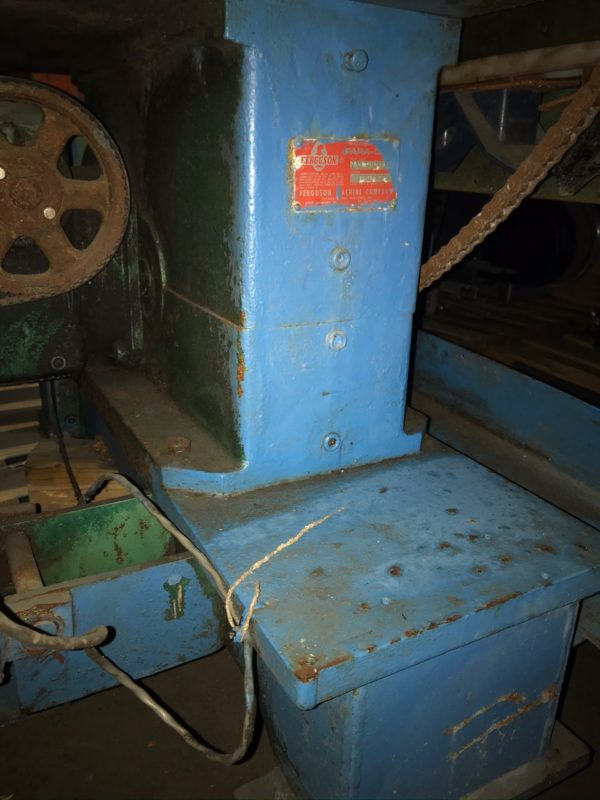 Uniloy Model 10039 Impact Trimming Machine