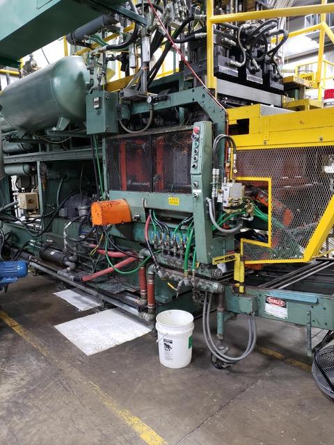 Uniloy Model 350 R4 (3) Head Blow Molding Machine