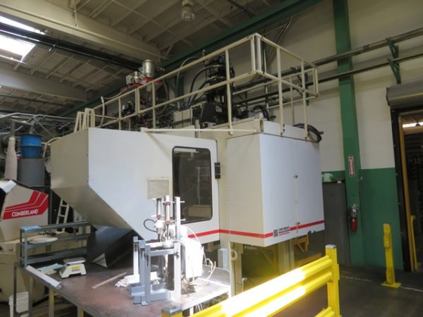 2000 Milacron Model E-90-S-8 Single 8 Pound Accumulator Head Blow Molding Machine