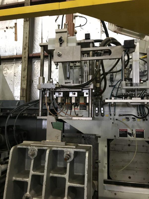 B&W/Uniloy Model BW 6000 DE Continuous Extrusion Blow Molding Machines