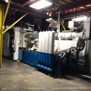 2007 Netstal Model PET 3500-3550R 350 Ton injection Molding Machine with Mold, Material Dryer and Hopper, Dehumidifier (complete system to produce PET preforms)